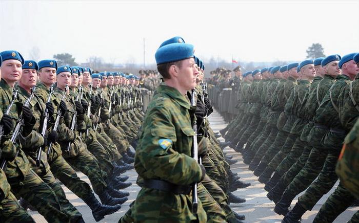 В январе 5 тысяч десантников сделают свой первый прыжок. Фото: Михаил Михин/commons.wikimedia.org