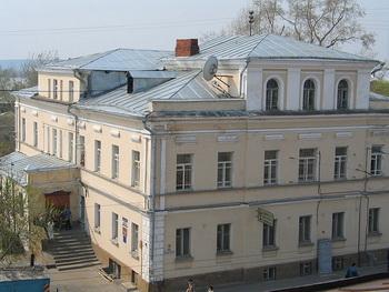 Седьмой корпус ТГУ, вид с соседнегоо здания. Фото: Денис Сопов/Commons.wikimedia.org