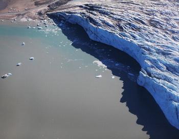 В 2014 году морская авиация СФ продолжит патрулирование Арктики. Фото: Joe Raedle/Getty Images