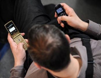 На конец 2012 года в Москве насчитывалось 37,4 млн абонентов сотовой связи. Фото: NATALIA KOLESNIKOVA/AFP/Getty Images