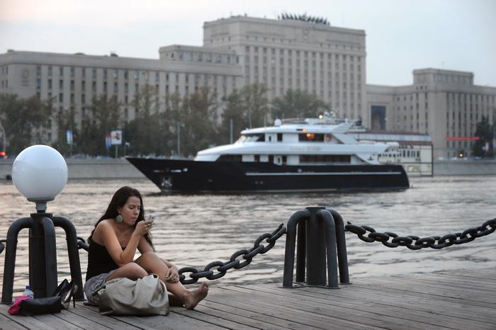 Московские набережные станут зонами отдыха. Фото: ALEXANDER NEMENOV/AFP/Getty Images