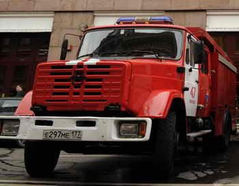 Пожарные потушили пожар в МАИ — пострадавших нет. Фото: KIRILL KUDRYAVTSEV/AFP/Getty Images