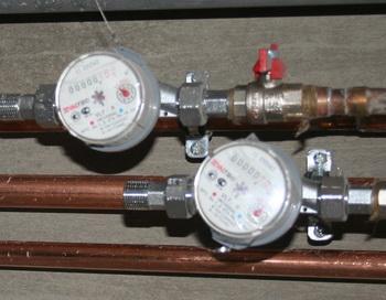 Управляющие компании купят россиянам водосчётчики. Фото: Великая Эпоха (The Epoch Times)