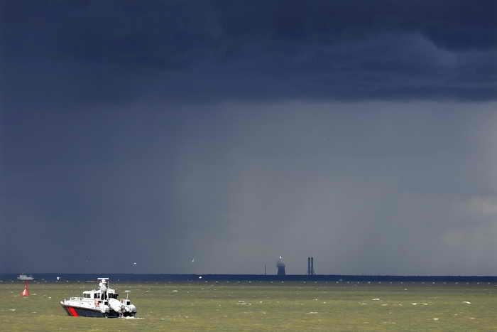 Финский залив. Патрульные катера. В дни проведения саммита со 2 по 8 сентября в Финский залив запрещено выходить  на маломерных судах и яхтах. Фото: DENIS SINYAKOV/AFP/Getty Images