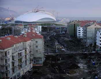 Строительство олимпийских объектов в Сочи. Фото: MIKHAIL MORDASOV/AFP/Getty Images