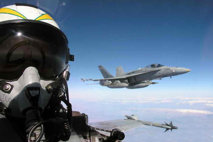 Японские истребители вновь подняты по тревоге из-за российских бомбардировщиков. Фото: Tom Lalor/Getty Images