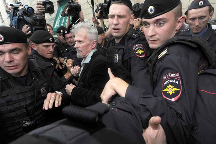 Акции «Стратегия-31» прошли в Москве и Нижнем Новгороде. Фото: VASILY MAXIMOV/AFP/Getty Images