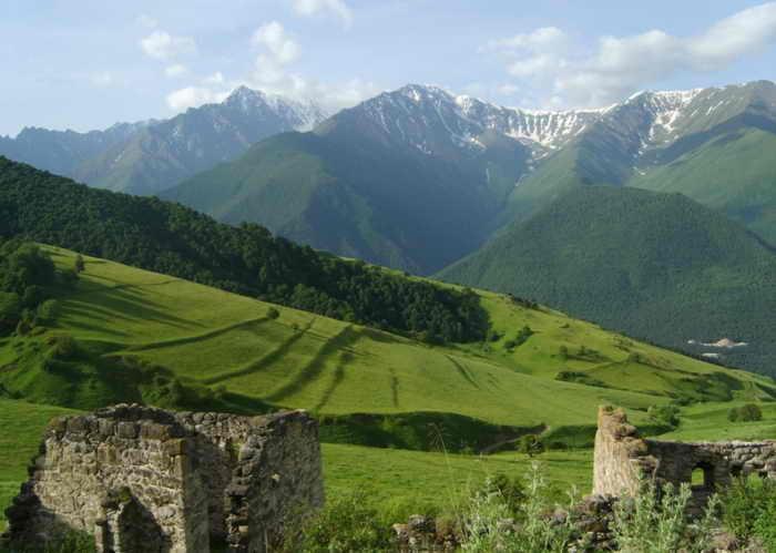 Горный пейзаж Ингушетии. Фото: Master-Shadow/wikimedia.org