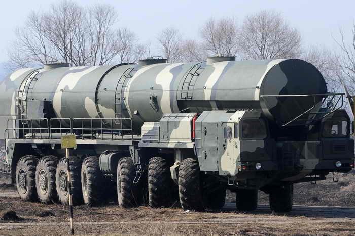 Осуществлён очередной испытательный пуск «Тополя». Ракеты «Тополь» приняты на вооружение в 1988 году. Фото: NATALIA KOLESNIKOVA/AFP/Getty Images