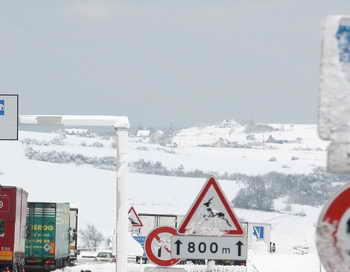 Снегопад на дорогах. Фото: MICKAEL TASSART/AFP/Getty Images