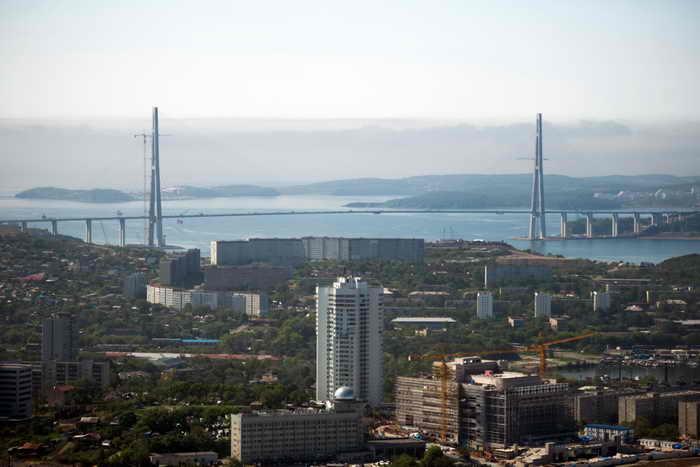 Владивосток. Мост на остров Русский. Фото: MARTIN BUREAU/AFP/GettyImages