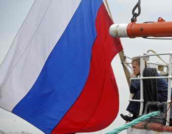 С теплохода «Ливадия» эвакуируют оставшихся членов экипажа. Фото: FABIAN BIMMER/AFP/Getty Images