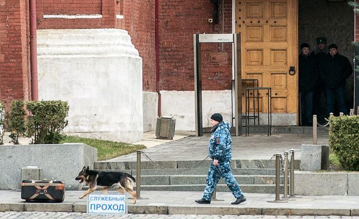 По новым сведениям, в результате второго теракта в Волгограде погибли 15 человек. Фото: DMITRY SEREBRYAKOV/AFP/Getty Images
