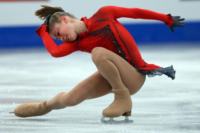 Выступление Юлии Липницкой на Чемпионате Европы-2014 в Будапеште. Фото: ATTILA KISBENEDEK/AFP/Getty Images