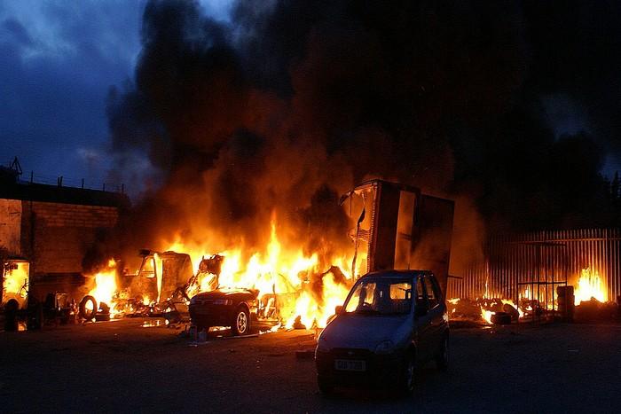 В Мурманске сгорели 19 маршрутных такси. Фото: James Whorriskey /flickr.com