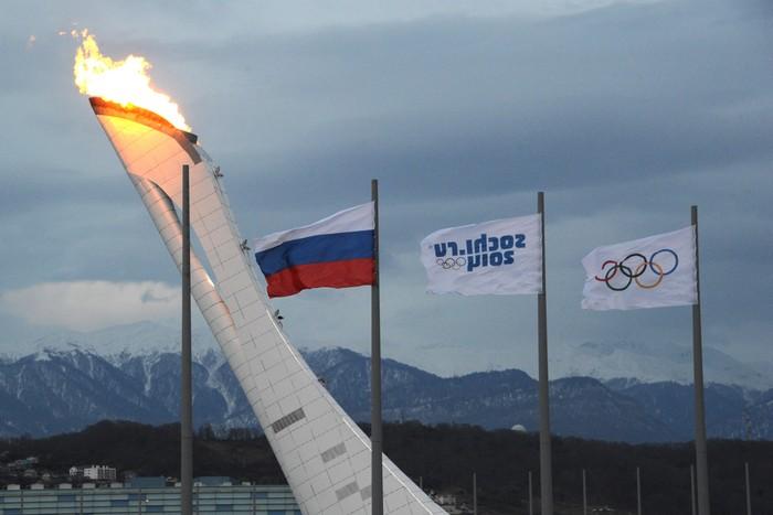 Проверка олимпийского факела до начала Олимпиады «Сочи-2014», 27 января, 2014 года. Фото: ANTONIN THUILLIER/AFP/Getty Images