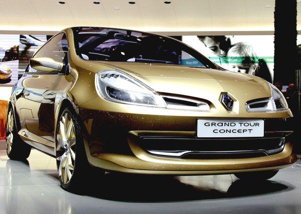 Renault Clio - четвертое  место в рейтинге самых продаваемых авто  в октябре 2010 года по данным JATO Dynamics. Фото: FABRICE COFFRINI/AFP/Getty Images