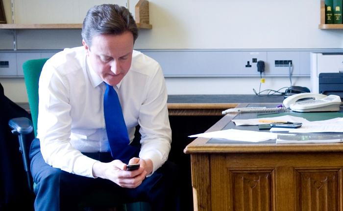 20-летие первой SMS отмечают во всём мире. Фоторепортаж. Фото: Getty Images