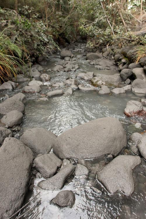 Извержение вулкана Тонгариро стало причиной закрытия  Национального парка  Новой Зеландии.  Фоторепортаж. Фото:  Hagen Hopkins/Getty Images