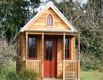 Крохотное жильё: Обращаясь с призывом к покупателям недвижимости,  которые хотят уменьшить  своё воздействие на окружающую среду, компания Tumbleweed Tiny House предлагает дома  от 19,8  квадратных метров. Фото с сайта tumbleweedhouses.com