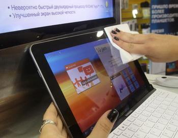 Планшетный компьютер Samsung Galaxy Tab. Фото РИА Новости