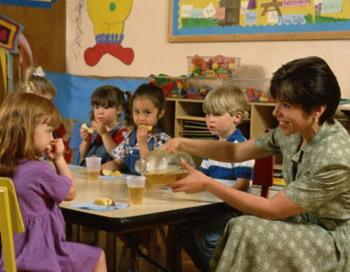 Ученые обнаружили, что обучение социальным навыкам повышает успеваемость у школьников. Фото с сайта theepochtimes.com
