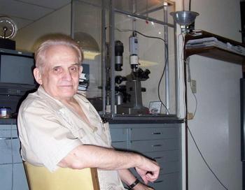 Клив Бакстер в своей лаборатории в Сан-Диего, где он исследует первичное восприятие. Фото с сайта theepochtimes.com