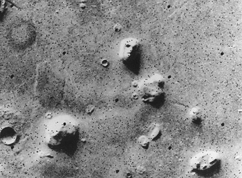 Марсианский сфинкс: знаменитое «Лицо на Марсе» в северном полушарии Марса, в регионе Кидония. Фото theepochtimes.com