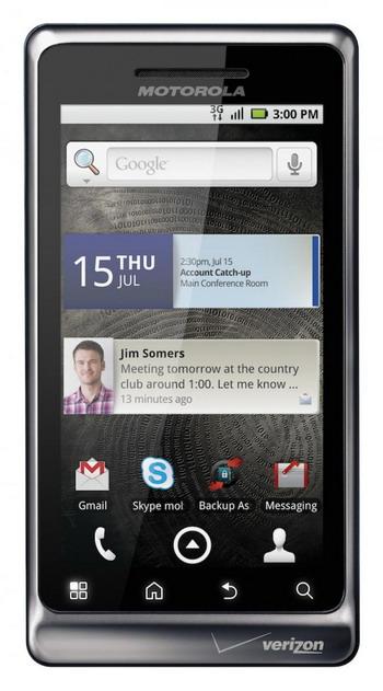 Motorola DROID 2. Фото с сайта theepochtimes.com
