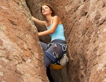 Исследование предполагает, что движение вверх вызывает положительные воспоминания. Фото с сайта Photos.com