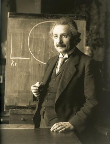 Альберт Эйнштейн именовал квантовую запутанность, как «сверхъестественное воздействие на расстоянии», так как кванты взаимозависимы между собой, несмотря на физическую взаимную изоляцию. Фото: Ferdinand Schmutzer