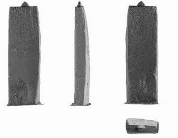 Лазерное сканирование Великого трилита обнаружило его необыкновенно ровные, чёткие контуры и гладкую поверхность, по сравнению с остальными трилитами. Это позволило предположить, что создатели Стоунженджа прилагали целенаправленные усилия при обработке Великого трилита и отшлифовали менгир более тщательно из-за его особой позиции на оси солнцестояния, так же, как они сделали это для других камней, расположенных по сторонам оси. Фото: English Heritage