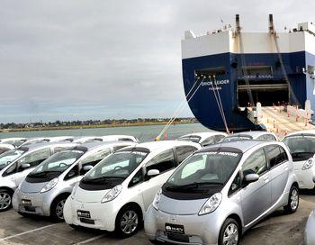 Электромобиль Mitsubishi i-MiEV весной нынешнего года будет продаваться в России. Фото: WILLIAM WEST/AFP/Getty Images