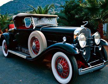На этом мероприятии аукционный дом Bonhams планирует продать на аукционе более 90 ретро-автомобилей. Фото с сайта 2photo.ru