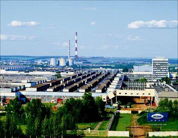 До остановки конвейера на «ИжАвто» выпускались автомобили Иж-27175, ВАЗ-2104, собирались машины Kia Spectra и Kia Sorento. Фото с сайта skyscrapercity.com