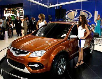 На Московском международном автосалоне «АвтоВАЗ» представил прототип нового универсала под названием R90, который построен на платформе «В0», на которой базируются модели Renault. Фото с сайта dailycars.ru