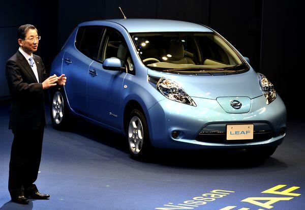 Nissan Leaf - серийный электрокар компании Nissan. Фото KAZUHIRO NOGI/AFP/Getty