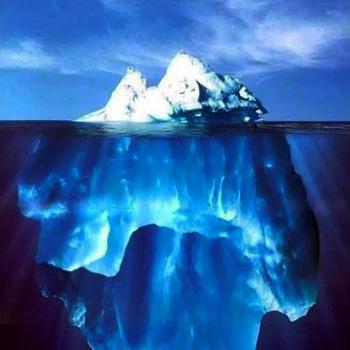 Важные открытия первого десятилетия XXI века опубликованные Дискавери ((Discovery). Плавающий гигант, отколовшийся от ледника, теперь довольно частая картина. 1/10 айсберга находится над водой. Фото с сайта latifa.ru