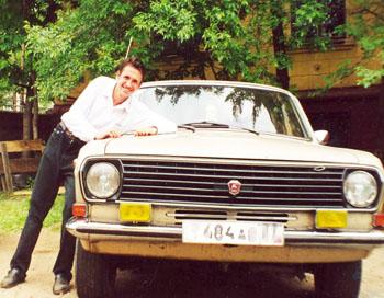 Средний возраст легковых машин, на которых ездят россияне, 12,5 лет. Фото: www.90-x.ru