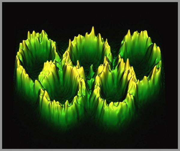 Выставка «Искусство науки». Фоторепортаж. Нелинейные олимпийские кольца. Фото: Dmitry V. Dylov, Jason W. Fleischer