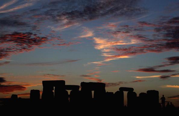 Стоунхендж. В последних лучах заходящего Солнца. Фоторепортаж. Фото: Matt Cardy/Getty Images