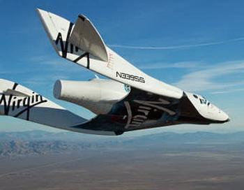 Частный космический корабль SpaceShipTwo впервые совершил самостоятельный пилотируемый полет. Фото с сайта nauka21vek.ru