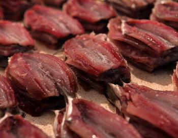 Филе свежей сардины на рыбном рынке, 5 августа 2009 года в Нитерой (Бразилия). Фото: David Silverman/Getty Images