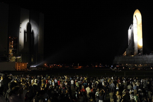 Фоторепортаж о завершении сборки шаттла «Атлантис» в штате Флорида. Фото: Roberto Gonzalez/Getty Images