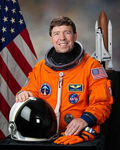 Фоторепортаж. Американский врач и астронавт НАСА Майкл Барратт. Фото взято с Wikipedia