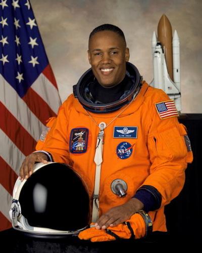 Фоторепортаж. Офицер ВВС США и астронавт НАСА Элвин Дрю. Фото взято с Wikipedia