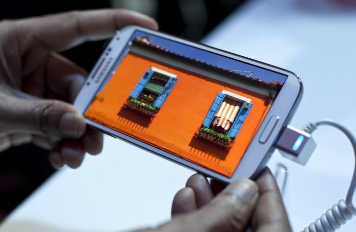 Samsung представил новый Galaxy S IV в Нью-Йорке 14 марта 2013 г. Фото: Allison Joyce/Getty Images