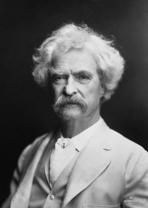 Марк Твен в 1907 г. Фото: A.F. Bradley