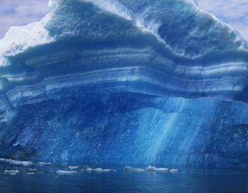 Айсберг размером с Сингапур угрожает международным морским путям. Фото: Joe Raedle/Getty Images