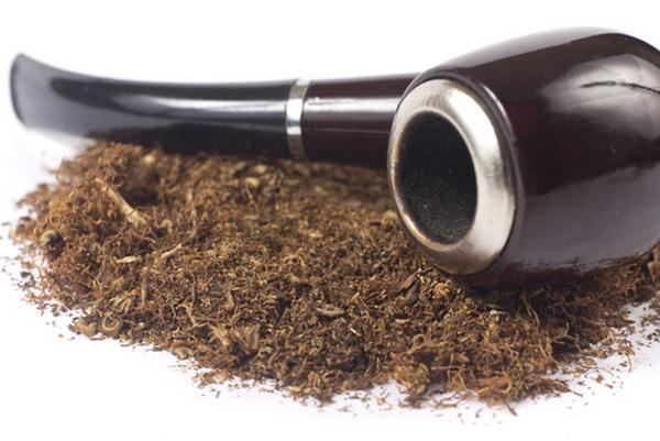 Трубка для курения табака. Фото: Shutterstock*